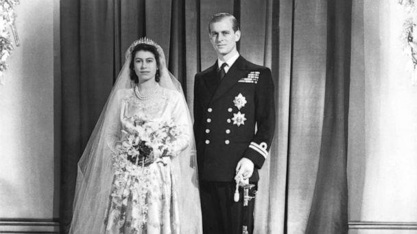 PHOTO: Princess Elizabeth and her husband Phillip, Duke of Edinburgh pose for a portrait at Buckinham Palace after their wedding at London's Westminster Abbey in 1947. (Hulton Deutsch/Corbis via Getty Images, FILE)