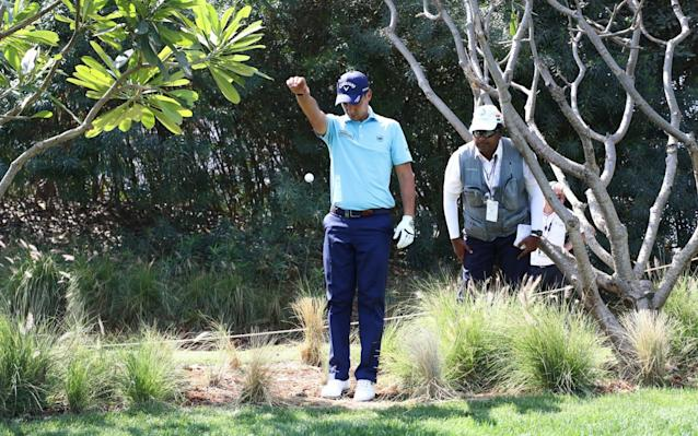 Matteo Manassero takes a drop - Getty Images AsiaPac
