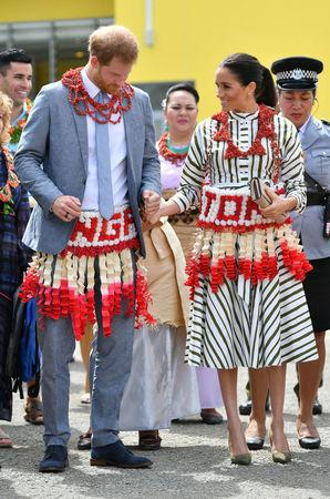 Meghan, Duchess of Sussex and Prince Harry, Duke of Sussex visit an exhibition of Tongan handicrafts, mats and tapa cloths at the Fa'onelua Convention Centre on the second day of the royal couple's visit to Tonga, October 26, 2018. Dominic Lipinski/Pool via REUTERS
