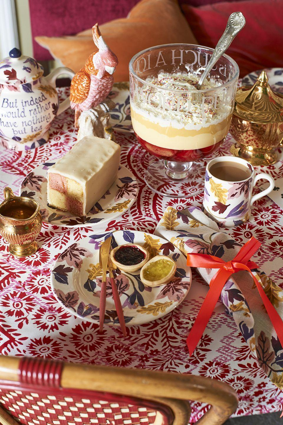 """<p>Afternoon tea just got an autumnal refresh with this beautiful new seasonal range.</p><p>'Introducing the new autumn Crocus collection, embracing shades of purple and pink for the new season,' the team at Emma Bridgewater say. 'The sponge-ware collection includes mugs, plates, bowls, jugs and even a gallon sized-teapot.'</p><p><a class=""""link rapid-noclick-resp"""" href=""""https://go.redirectingat.com?id=127X1599956&url=https%3A%2F%2Fwww.emmabridgewater.co.uk%2Fsearch%3Fview%3Dspring%26q%3DAutumn%2B%25EF%25BB%25BFCrocus&sref=https%3A%2F%2Fwww.housebeautiful.com%2Fuk%2Flifestyle%2Fshopping%2Fg37527696%2Femma-bridgewater-autumn-range%2F"""" rel=""""nofollow noopener"""" target=""""_blank"""" data-ylk=""""slk:SHOP THE RANGE"""">SHOP THE RANGE</a></p>"""