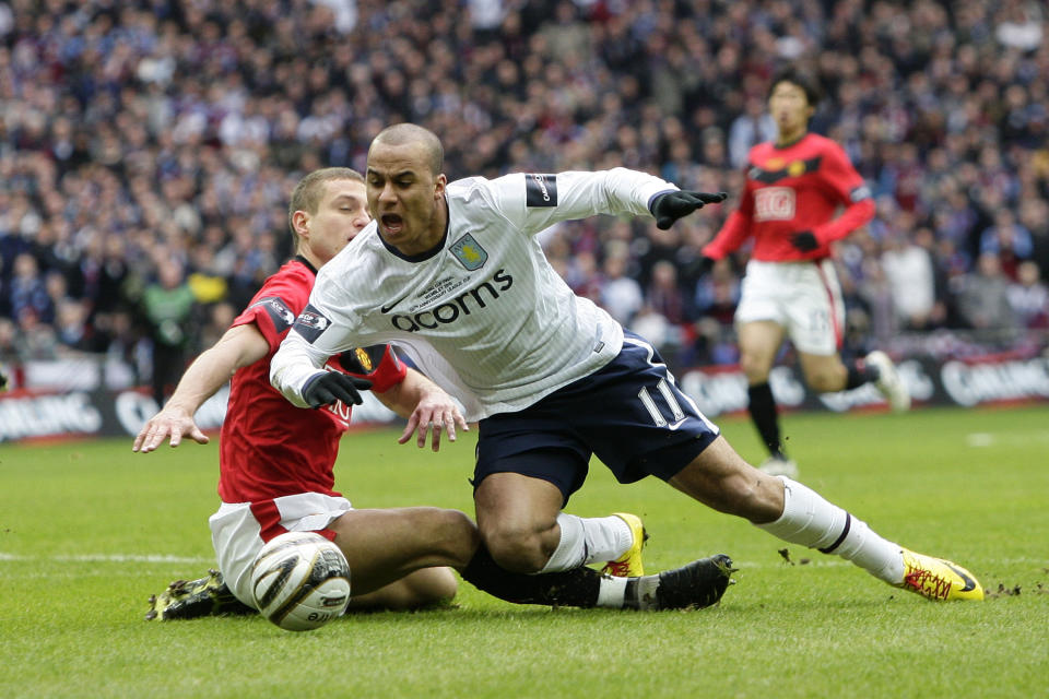 Nemanja Vidic concedes a 5th minute penalty which Villa score, but Vidic is not sent off. (League Cup Final - 28 February 2010)