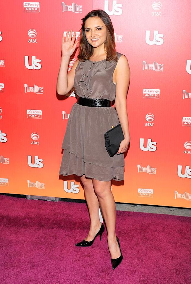 """Rachel Leigh Cook kept things classy in a gray dress. Todd Williamson/<a href=""""http://www.wireimage.com"""" target=""""new"""">WireImage.com</a> - April 22, 2009"""