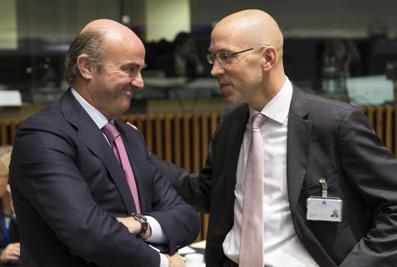 EU clears way to create joint banking supervisor