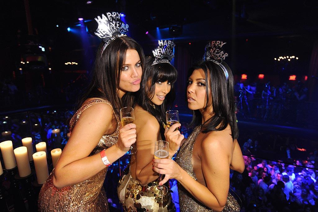 """Khloe, Kim, and Kourtney Kardashian joined hundreds of revelers at LAX nightclub in Las Vegas for a sinful New Year's Eve. Jordan Strauss/<a href=""""http://www.wireimage.com"""" target=""""new"""">WireImage.com</a> - December 31, 2008"""