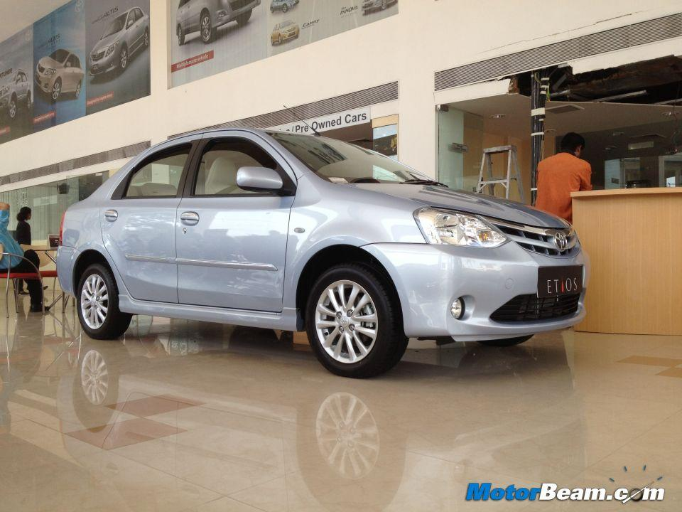 A discount of Rs. 10,000/- is being offered on both sedan and hatchback versions of the Etios.
