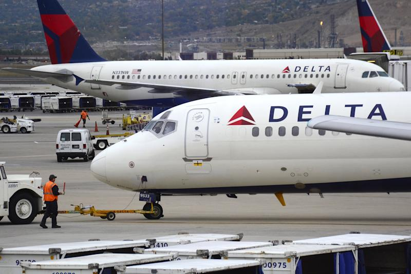 Family Kicked Off Delta Flight After Refusing to Give Up 2-Year-Old's Seat