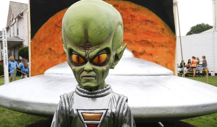 What would aliens look like More similar to us than
