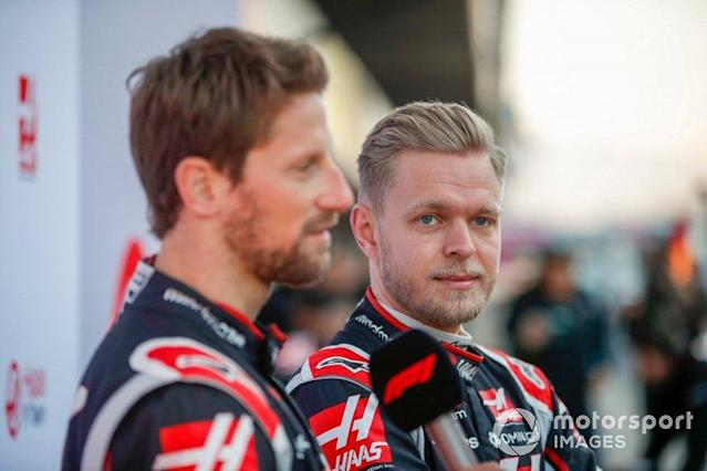"Kevin Magnussen, Haas F1 Team et Romain Grosjean, Haas F1 Team <span class=""copyright"">Zak Mauger / Motorsport Images</span>"