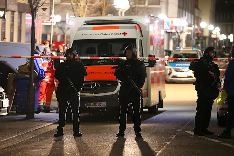 Police officers secure an area after a shooting in Hanau near Frankfurt, Germany, February 20, 2020. REUTERS/Kai Pfaffenbach