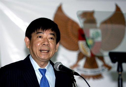 Minister for National Development Khaw Boon Wan discloses new measures to address backlog in HDB flats. (Yahoo! Photo)