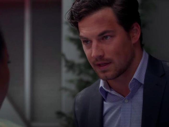 Andrew Deluca on Greys Anatomy wearing a suit with a blue button down