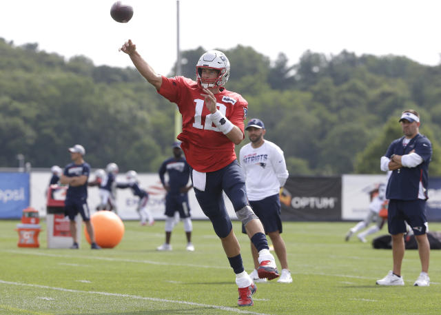 New England Patriots quarterback Tom Brady says don't read into the fact he put his Massachusetts house on the market. (AP)