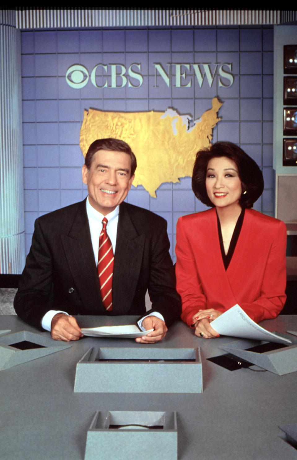 "Dan Rather, left, and Connie Chung co-host ""CBS Evening News"" in 1993. (Photo: CBS/Courtesy: Everett Collection)"