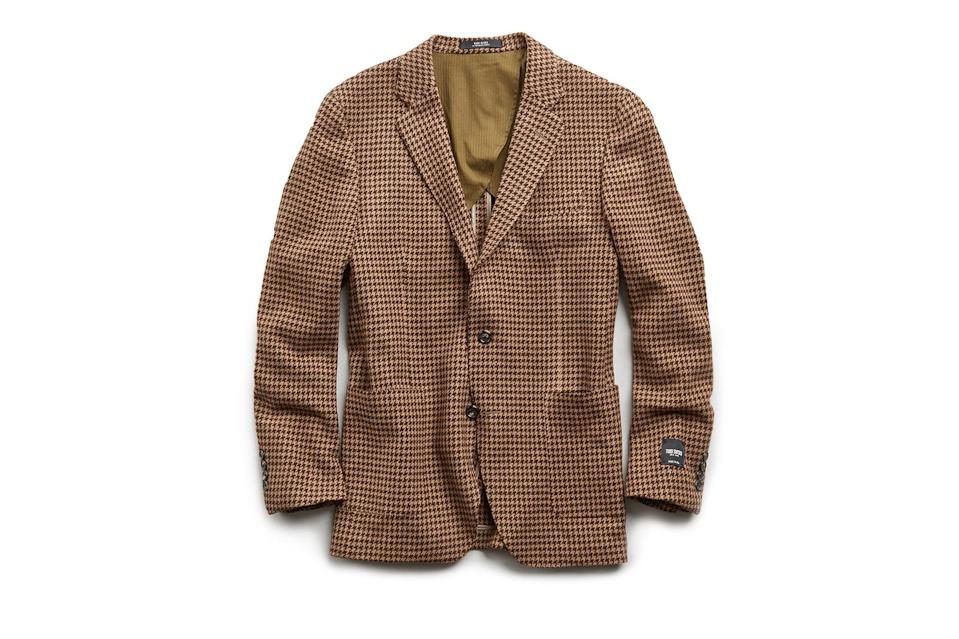 "$798, Todd Snyder. <a href=""https://www.toddsnyder.com/collections/sale/products/houndstooth-knit-sport-coat-brown"" rel=""nofollow noopener"" target=""_blank"" data-ylk=""slk:Get it now!"" class=""link rapid-noclick-resp"">Get it now!</a>"