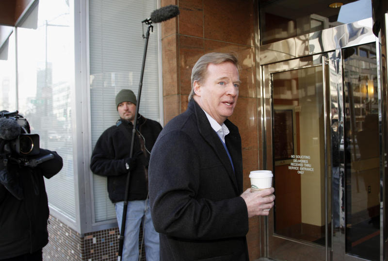 NFL Commissioner Roger Goodell arrives for labor talks as sessions with the league, the players' union and a federal mediator moved into a sixth day, in Washington Wednesday, Feb. 23, 2011. (AP Photo/Alex Brandon)