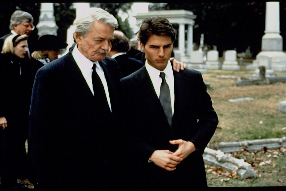 American actors Hal Holbrook and Tom Cruise on the set of The Firm, based on the novel by John Grisham and directed by Sydney Pollack. (Photo by Francois Duhamel/Sygma via Getty Images)