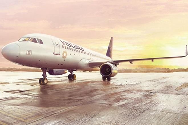 vistara airlines will hire jet airways employees 100 jet employees and 400 cabin crew to be appointed