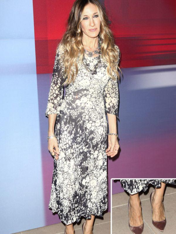 <p><strong>Images via : <a href='http://idiva.com'>iDiva.com</a></strong></p><p><strong>Sarah Jessica Parker</strong>: <em>Sex and the City </em>actress SJP does have ugly feet. Don't you think they are too veiny?</p><p><strong>Related Articles - </strong></p><p><a href='http://idiva.com/photogallery-style-beauty/celeb-trend-bright-lip-colours/15994' target='_blank'>Celeb Trend: Bright Lip Colours</a></p><p><a href='http://idiva.com/photogallery-style-beauty/celebrities-who-did-not-age-gracefully/20171' target='_blank'>Celebrities Who Did Not Age Gracefully</a></p>