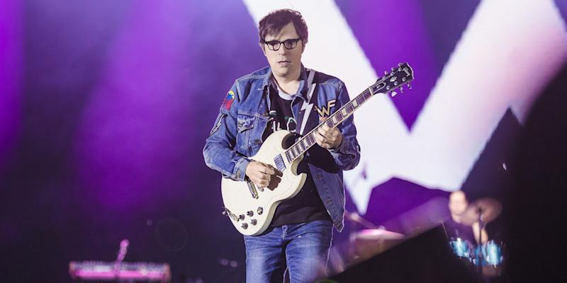 Here's What Happened During Rivers Cuomo's Set at the Andrew Yang Rally in Iowa