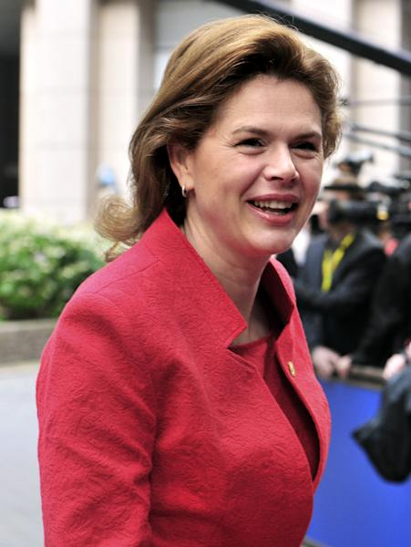 Slovenian Prime Minister Alenka Bratusek arrives for the second day of the EU Council on June 27, 2014 at the EU headquarters in Brussels (AFP Photo/Georges Gobet )