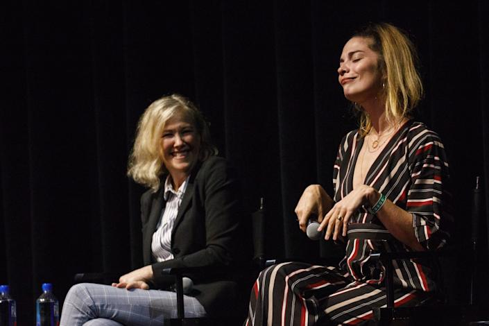 Annie Murphy flips her wrists for character Alexis Rose as Catherine O'Hara watches