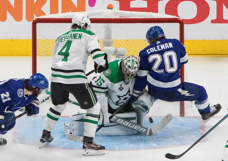 Lightning the latest to learn Dallas Stars' defence can be downright offensive