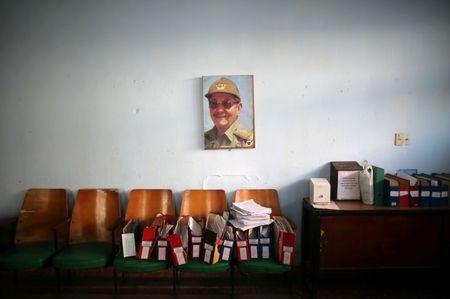 A photograph of Cuba's President Raul Castro is seen at a postal office in Holguin, Cuba, June 11, 2016. REUTERS/Alexandre Meneghini/Files