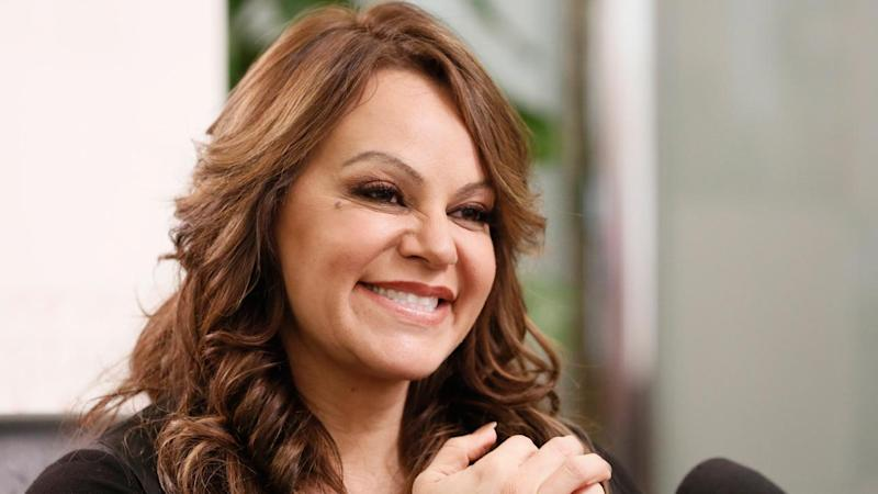 <p>The plane carrying singer Jenni Rivera nose-dived from more than 28,000 feet at 600 mph, a Mexican official said.</p>
