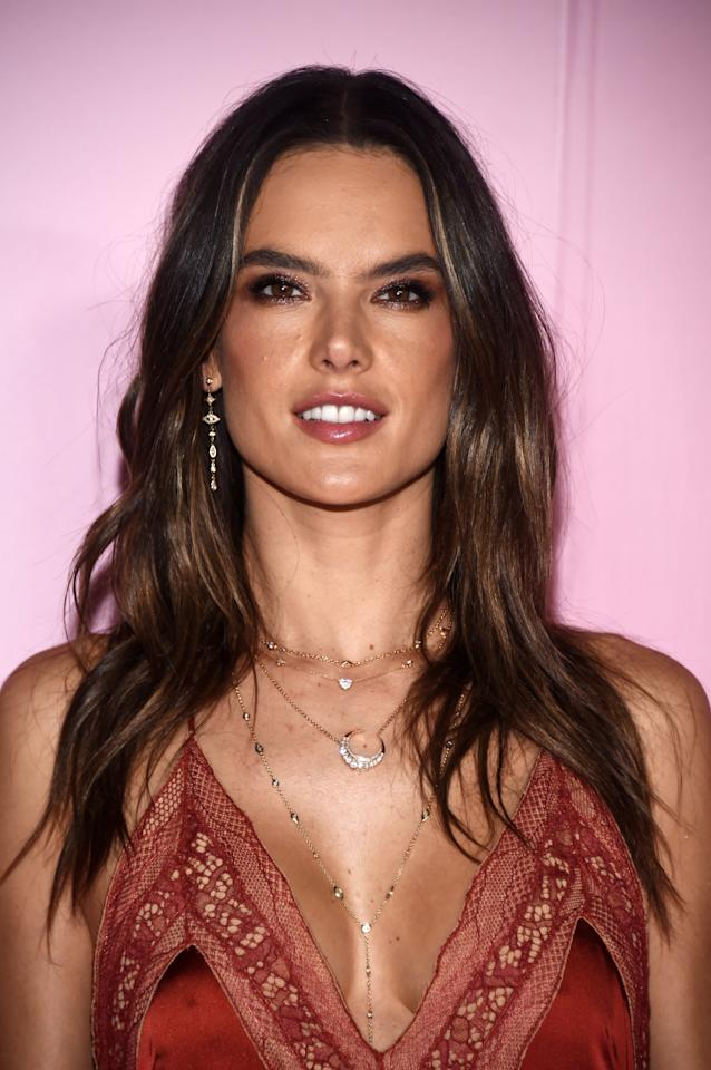 """<p>In a recent <a href=""""https://www.vogue.com/article/alessandra-ambrosio-makeup-beauty-routine"""" target=""""_blank"""" class=""""ga-track"""" data-ga-category=""""Related"""" data-ga-label=""""https://www.vogue.com/article/alessandra-ambrosio-makeup-beauty-routine"""" data-ga-action=""""In-Line Links""""><strong>Vogue</strong> video</a>, Alessandra Ambrosio revealed her <a href=""""https://www.popsugar.com/beauty/Alessandra-Ambrosio-Makeup-Video-Vogue-2019-46020893"""" class=""""ga-track"""" data-ga-category=""""Related"""" data-ga-label=""""https://www.popsugar.com/beauty/Alessandra-Ambrosio-Makeup-Video-Vogue-2019-46020893"""" data-ga-action=""""In-Line Links"""">genius trick</a> to applying bronzer. Like someone might smile before applying blush, she enunciates the word """"bonjour"""" while sweeping on the product to define her cheekbones.</p>"""