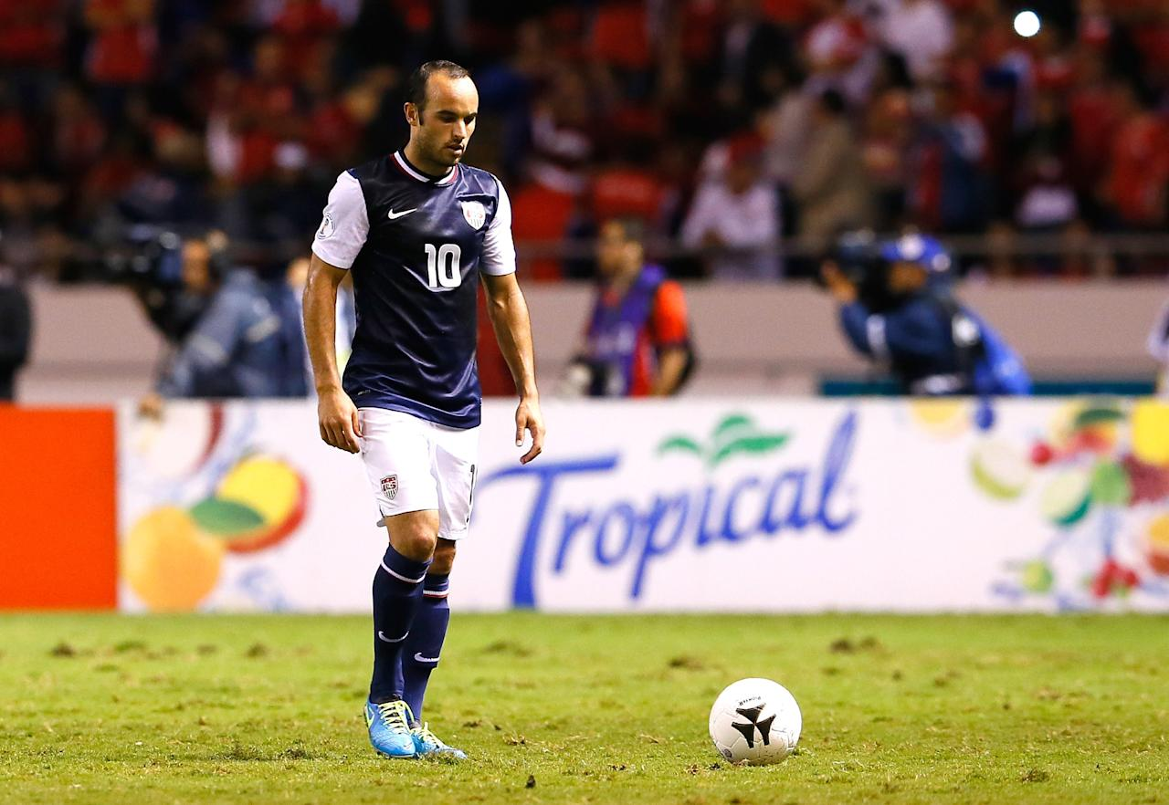 SAN JOSE, COSTA RICA - SEPTEMBER 06: Landon Donovon #10 of the United States walks over to get water during an injury timeout by Costa Rica during the FIFA 2014 World Cup Qualifier at Estadio Nacional on September 6, 2013 in San Jose, Costa Rica. (Photo by Kevin C. Cox/Getty Images)