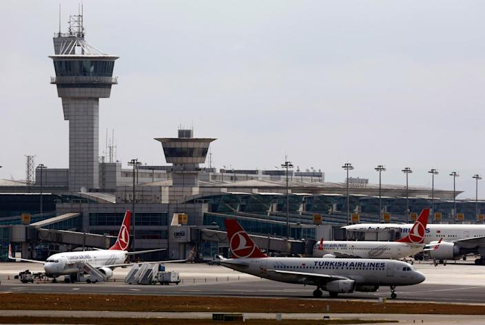 <p>A Turkish Airlines aircraft taxis at Ataturk International Airport in Istanbul, Turkey, June 29, 2016. (REUTERS/Murad Sezer) </p>