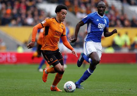 Soccer Football - Championship - Wolverhampton Wanderers vs Birmingham City - Molineux Stadium, Wolverhampton, Britain - April 15, 2018 Wolverhampton Wanderers' Helder Costa in action Birmingham City's Cheick Ndoye Action Images via Reuters/Andrew Couldridge