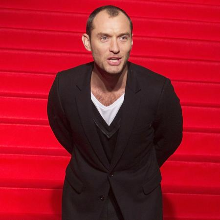 Jude Law: It's obvious when men preen