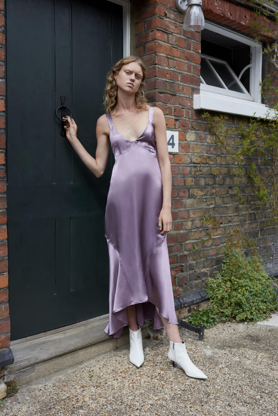 <p><i>Model wears a silk lavender dress from the Beaufille SS18 collection. (Photo: ImaxTree) </i></p>