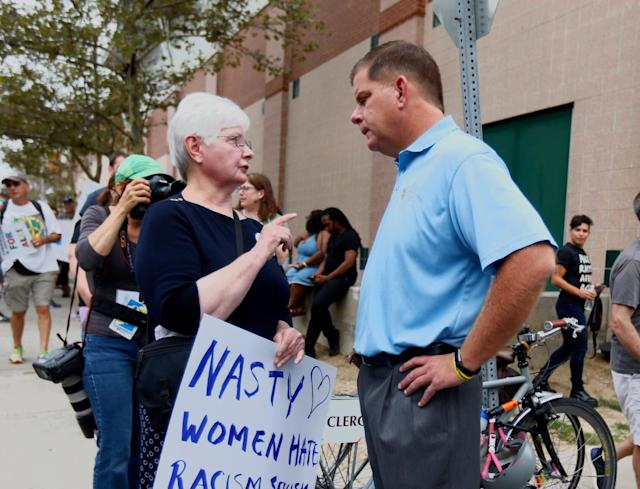 <p>Boston Mayor Marty Walsh greets protesters before the counter protest to a planned Free Speech rally on Boston Common on Aug. 19, 2017 in Boston, Mass. (Photo: Scott Eisen/Getty Images) </p>
