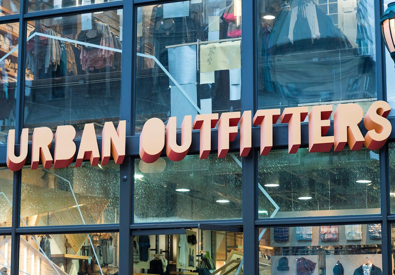 "<p><a rel=""nofollow"" href=""https://www.urbanoutfitters.com/help/uo-rewards"">SIGN UP</a> </p><p>UO Rewards members receive a discount for 20% off a purchase for their birthday. Members also receive 10% off their first purchase after signing up, and can earn $5 rewards when they shop. </p>"