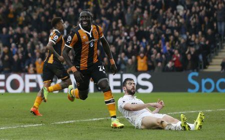 Hull City v Swansea City - Premier League - The Kingston Communications Stadium - 11/3/17 Hull City's Oumar Niasse celebrates scoring their second goal  Action Images via Reuters / Ed Sykes Livepic