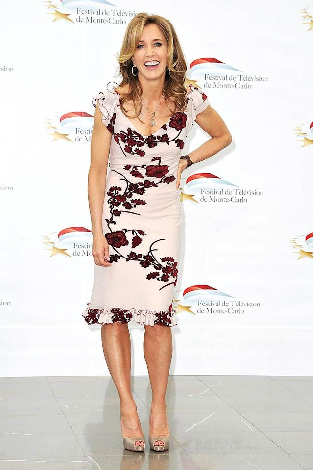 """Following in MJH's footsteps was """"Desperate Housewives"""" hottie Felicity Huffman, who flourished in a floral number, champagne-colored heels, and freshly highlighted locks. Pascal Le Segretain/<a href=""""http://www.gettyimages.com/"""" target=""""new"""">GettyImages.com</a> - June 8, 2011"""