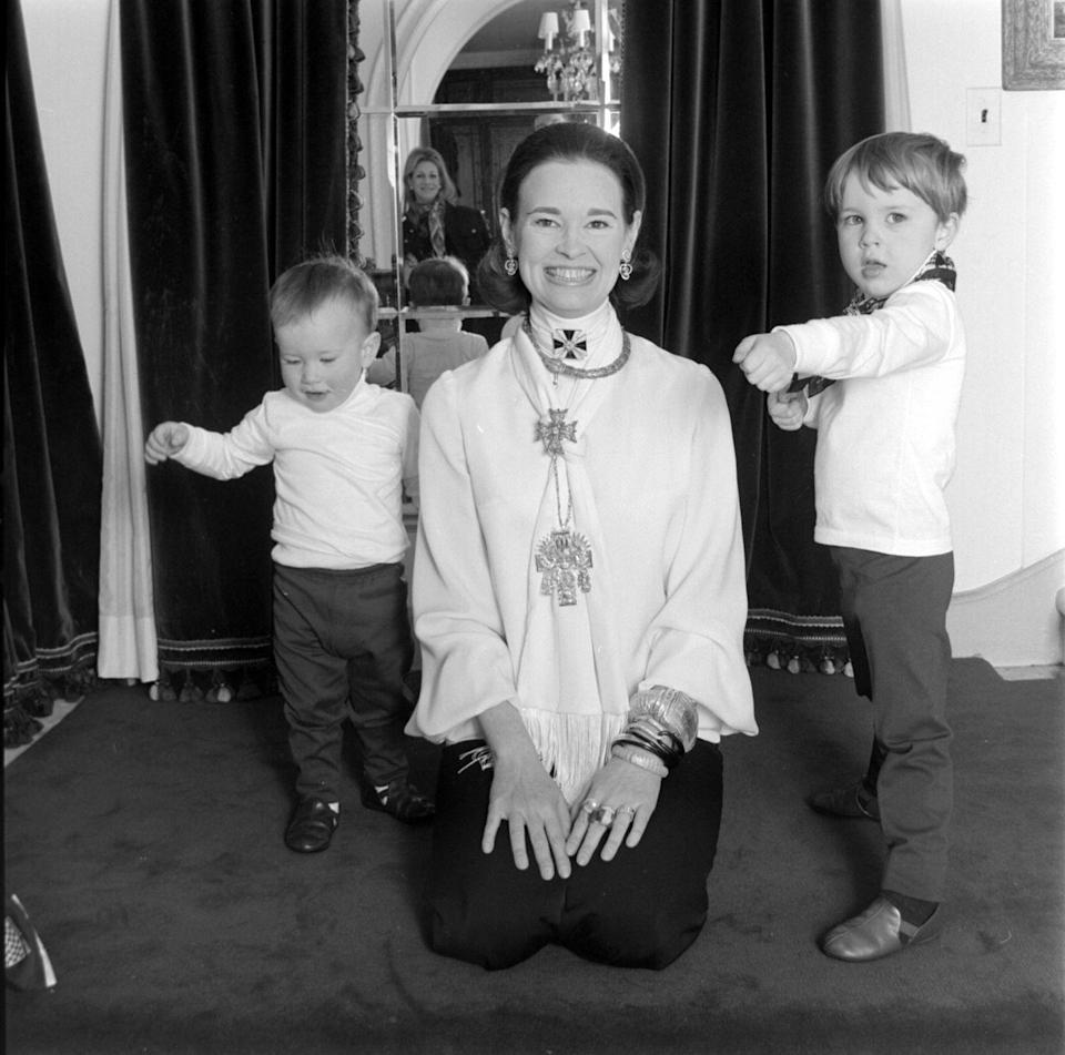 <p>With her sons, Anderson Cooper and Carter Vanderbilt Cooper, in their Southhampton home in New York.</p>