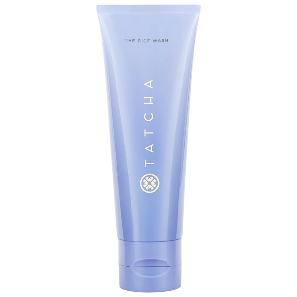 "<h3>Tatcha The Rice Wash</h3><br>This creamy face wash is infused with rice extract, Japanese algae, and hyaluronic acid to leave skin softer and more radiant than <em>prior</em> to cleansing. <br><br><strong>Tatcha</strong> The Rice Wash Skin-Softening Cleanser, $, available at <a href=""https://go.skimresources.com/?id=30283X879131&url=https%3A%2F%2Ffave.co%2F3efXt0j"" rel=""nofollow noopener"" target=""_blank"" data-ylk=""slk:Sephora"" class=""link rapid-noclick-resp"">Sephora</a>"