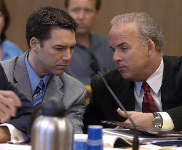 PHOTO: Defendant Scott Peterson and defense attorney Pat Harris confer during Peterson's murder trial in Redwood City, Calif., July 29, 2004. (Modesto Bee via Getty Images, FILE)