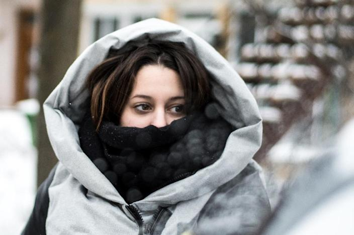 """The arctic chill descended from Canada, where residents of Montreal were dealing with the severe winter cold -- which even prompted a """"hazardous"""" warning from authorities (AFP Photo/MARTIN OUELLET-DIOTTE)"""