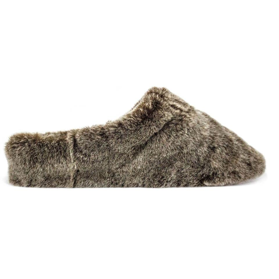 "<p><a class=""link rapid-noclick-resp"" href=""https://uk.giesswein.com/collections/sheepskin-slippers-womens/products/lambskin-women-slippers-gaschurn?color=mink-232"" rel=""nofollow noopener"" target=""_blank"" data-ylk=""slk:SHOP NOW"">SHOP NOW</a></p><p>A brand known primarily for its woollen offerings, this season it's Giesswein's 100% lamb fur slipper we have our eye on. The Gaschurn style certainly doesn't skimp on plushness. </p><p>Gaschurn in mink, £90, <a href=""https://uk.giesswein.com/collections/sheepskin-slippers-womens/products/lambskin-women-slippers-gaschurn?color=mink-232"" rel=""nofollow noopener"" target=""_blank"" data-ylk=""slk:Giesswein"" class=""link rapid-noclick-resp"">Giesswein</a></p>"