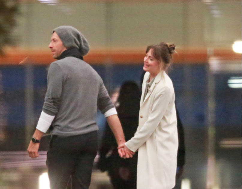 Chris Martin and Dakota Johnson in February 2018. (Photo: Splash News)