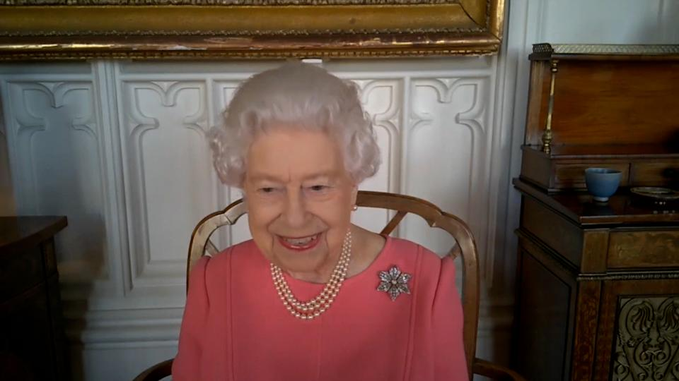 The Queen said her own jab did not hurt. (Buckingham Palace)