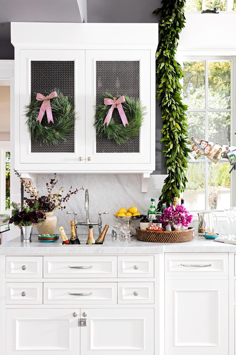"""<p><a href=""""https://www.housebeautiful.com/entertaining/holidays-celebrations/g3914/christmas-card-ideas/"""" rel=""""nofollow noopener"""" target=""""_blank"""" data-ylk=""""slk:Holiday cards"""" class=""""link rapid-noclick-resp"""">Holiday cards</a> tend to pile up on the entryway console table or on the kitchen counter, which can get over-cluttered and messy fast. Throwing them away makes you feel guilty (especially if the sender will be coming by at some point during the holiday season), but paper pile-ups are seriously anxiety-provoking, so you're going to need a cute card holder or some <a href=""""https://www.housebeautiful.com/entertaining/holidays-celebrations/g3957/christmas-garlands/"""" rel=""""nofollow noopener"""" target=""""_blank"""" data-ylk=""""slk:other festive decorative display"""" class=""""link rapid-noclick-resp"""">other festive decorative display</a> that keeps things <a href=""""https://www.housebeautiful.com/lifestyle/organizing-tips/g2970/organization-makeovers/"""" rel=""""nofollow noopener"""" target=""""_blank"""" data-ylk=""""slk:organized"""" class=""""link rapid-noclick-resp"""">organized</a>. These DIY options are so chic, they'll make you actually want to display all your cards. Let the <a href=""""https://www.housebeautiful.com/entertaining/holidays-celebrations/g22675518/easy-christmas-craft-ideas/"""" rel=""""nofollow noopener"""" target=""""_blank"""" data-ylk=""""slk:festive crafting"""" class=""""link rapid-noclick-resp"""">festive crafting</a> begin. </p>"""