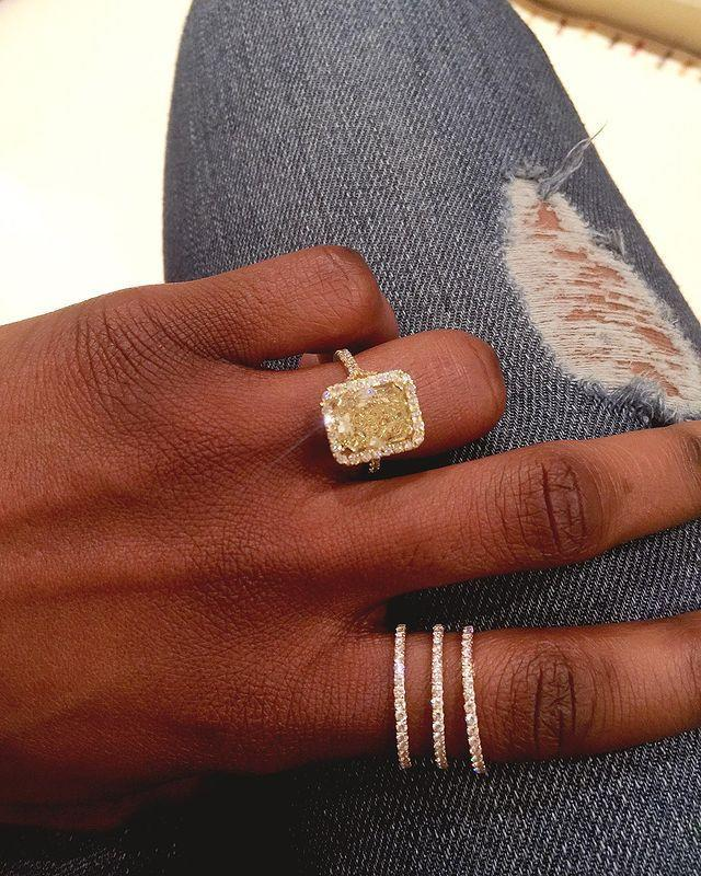"""<p>High-end jeweller Thelma West has been creating show-stopping diamond pieces for over 15 years from her London-based studio. Born in Lagos, Nigeria and later studying in Antwerp, Belgium, the jeweller has made a name for herself due to her impeccable attention to detail. </p><p><a href=""""https://www.instagram.com/p/B6tALJblWYB/"""" rel=""""nofollow noopener"""" target=""""_blank"""" data-ylk=""""slk:See the original post on Instagram"""" class=""""link rapid-noclick-resp"""">See the original post on Instagram</a></p>"""