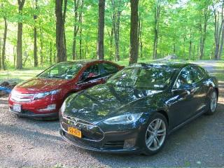 2011 Chevrolet Volt and 2013 Tesla Model S [photo: David Noland]