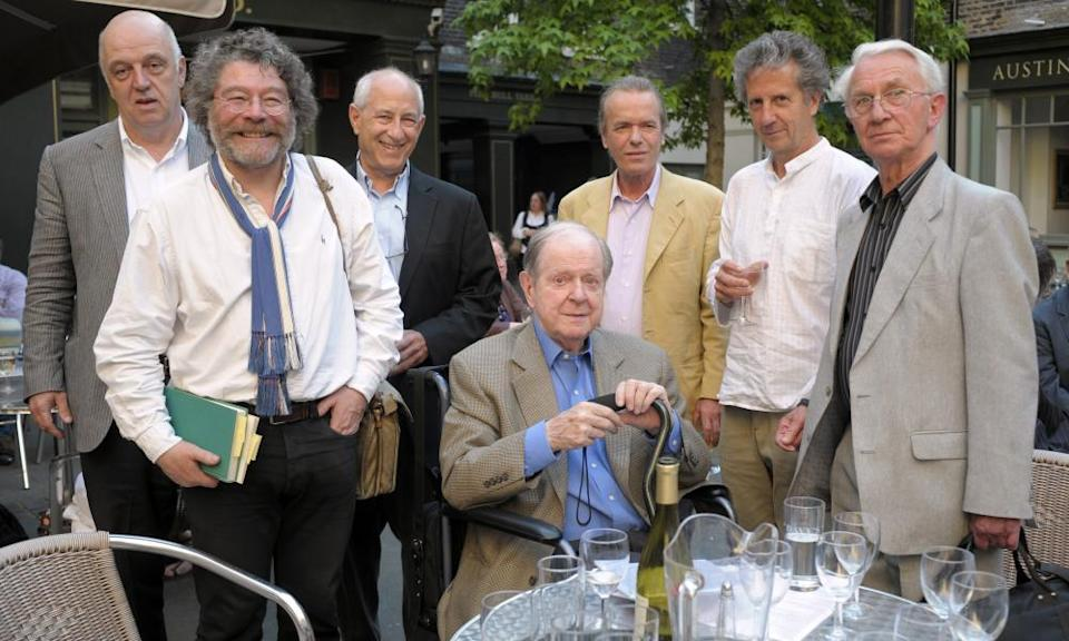 Anthony Thwaite, right, in 2009, pictured with, from left James Fenton, Craig Raine, Zach Leader , Robert Conquest, Martin Amis, and Blake Morrison.