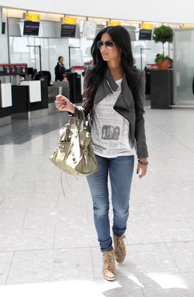 Nicole Scherzinger pays £750k on flights to see boyfriend Lewis Hamilton